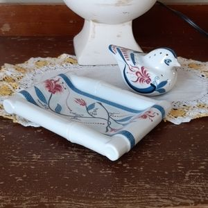Soap Dish and Pomander Elizabeth Arden